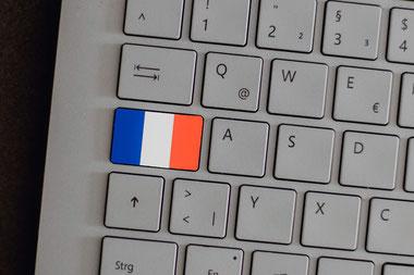 Zielgruppengerechte Übersetzungen, die sich wie französische Originale lesen. Französische Muttersprachlerin übersetzt stilistisch ausgefeilt.