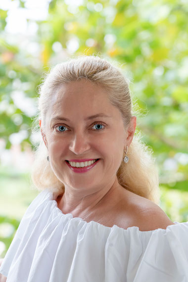 oriflame colombia, menopausia, cuidado de la piel menopausia, coesmetica natural, productos oriflame, afiliacion oriflame, catalogo oriflame