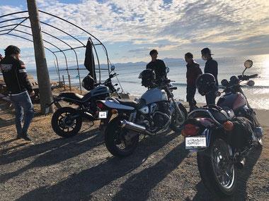 ヤングなお兄ちゃん達は波にもバイクにも乗ります!よかよか~