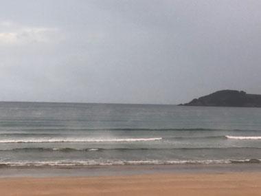 砂浜は冷たかった(>_<)けど海の中は湯気も上がり♨みたいでした。