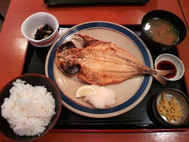「かもめの台所」の「干物職人のトロアジ定食」
