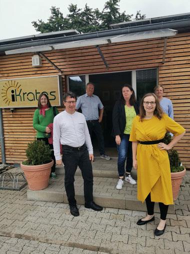 Delegation der Fraktion 90/ die Grünen bei iKratos © iKratos (von links: Barbara Poneleit, Manfred Bachmayer, Willi Harhammer, Martina Alwon, Lisa Badum und Sonja Kernstock)
