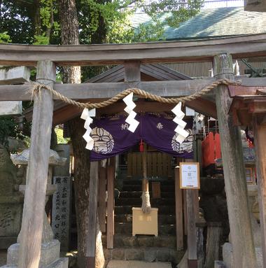 神武社 (筆者撮影)