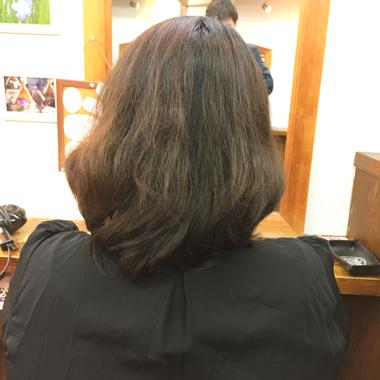 くせ毛とは・・・カット次第で、可愛いパーマに変化する神様からの贈り物