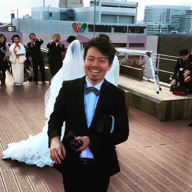 結婚式を着物で行くならば・・・最も定番なアップスタイルは『夜会巻き』
