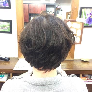 癖毛を活かすのにパーマは最良の手段