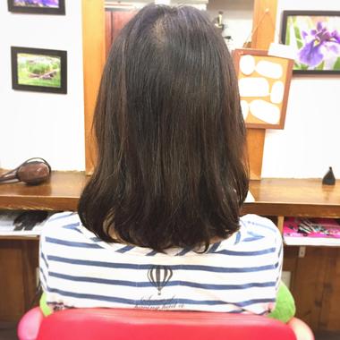 さほど癖毛では無いのに、何故か髪にまとまりがない。そんな方には・・・