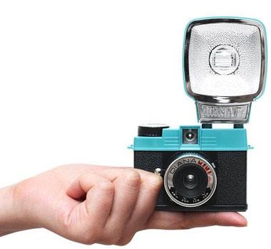 Diana Mini 35mm film camera, Fuente: www.designmilk.com