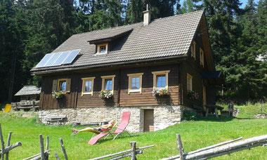 Großhinerbergerhütte aud der Saulam in Kärnten, Hüttenurlaub. Almurlaub, Urlaub auf der Alm, Ulruab in der almhütte