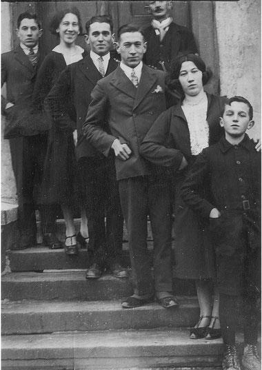 Johann Klein und Kinde: v.h. Johann, Martha, Fritz, Alex, Klara und Max