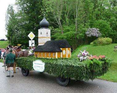 Festwagen des Gartenbauvereins 2015 beim Musikfest