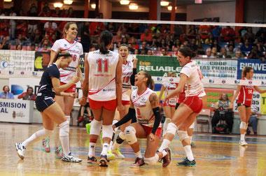 Las Criollas de Caguas celebrando durante el séptimo partido de la Semi Final B /  Foto por Heriberto Rosario Rosa