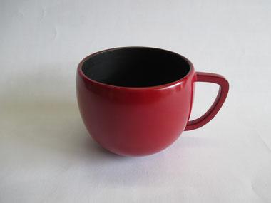 コーヒーカップ 朱漆で中塗り