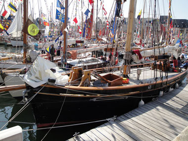 fête de chants de marins avec de vieux gréements en bois
