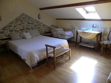 Aveyron chambre d'hôtes , hébergement  sud Aveyron, chambre et table d'hôtes , vacances pas cher , gîte à la campagne ,vacances insolites , séjour à thème dans l'Aveyron , séjour à la ferme , chambres d'hôtes Tarn Aveyron