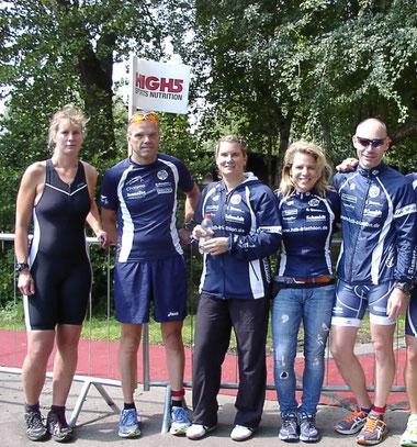 Ein Teil des HTB-Teams beim Silbersee-Triathlon in Stuhr.