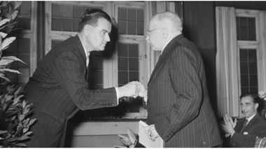 Gmelin (links) und Haering 1954. Bild: Alfred Göhner/ Stadtarchiv TÜ.