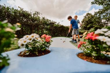 Kindergeburtstag feiern Erftstadt   Rhein-Erft-Kreis Minigolf