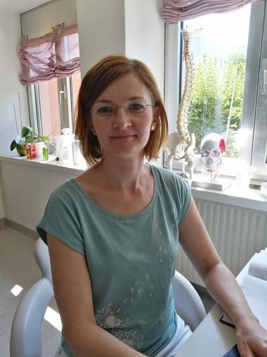 Petra Punz in ihrer Praxis für Physiotherapie in Weiz