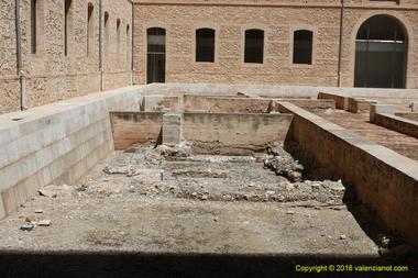 """Restos de la alquería árabe  de """"Rascanya"""" siglo XI"""