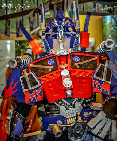 robot transformers performer optimus prime futuriste show spectacle