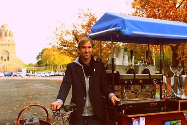 Völkerschlachtdenkmal Kaffeefahrrad mobile Kaffeebar Crepês