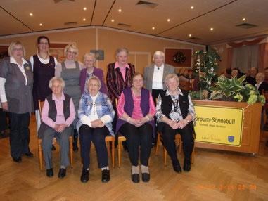 7 Gründungsmitglieder mit drei Vorstandsmitgliedern - Ehrung Jubiläum 2013