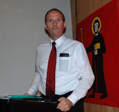 Druch den Abend führte als Moderator Markus A.F. Hauser, ältester Sohn von Fridolin O.
