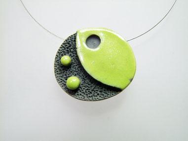 collier fantaisie pièce unique en ceramique raku