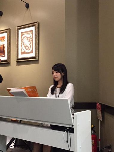 ピアニストの斉藤ゆきなさんです☆