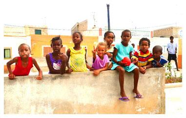 die Kinder in Bofareira auf Boa Vista auf der großen Boa Vista Exclusiv Tour mit Boa Vista Tours