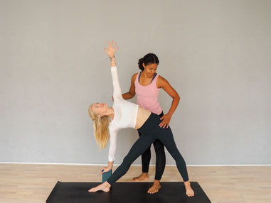Yoga Assist Hilfestellung Privatstunde