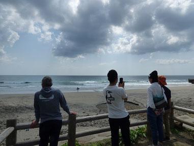 鉄浜チェックイン!腹ぐらいで初めは程よくいい波でしたよ~