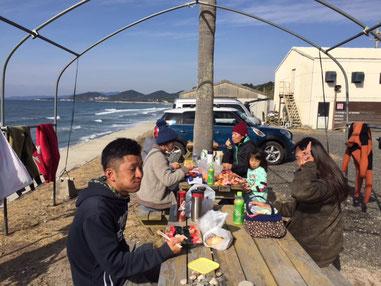 海上がりのみんなで食べる青空ランチ最高!
