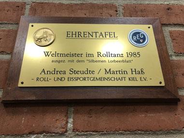 Ehrentafel Weltmeister Rolltanz 1985, REG Kiel e.V. Andrea Steudte und Martin Haß