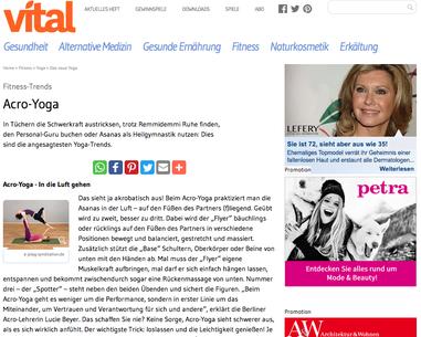 """""""Das neue Yoga"""" - Artikel über Lu und AcroYoga in der Vital"""