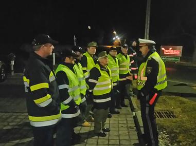 18 Mann bei der Verkehrsreglerschulung 02.03.2017