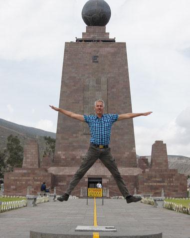 Ein Ausflug zum Äquatordenkmal ist sehr lohnenswert