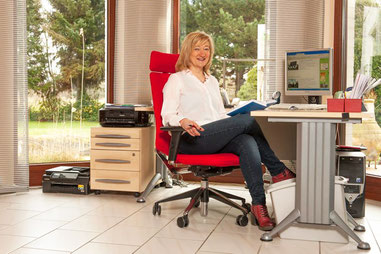 Sabine Huff im Büro