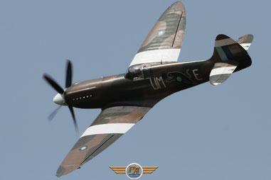 Photo 2:Spitfire dans le ciel de Cerny – Ferté Alais 2014