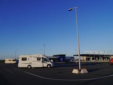 Abends am Fährterminal von DFDS in Dünkirchen