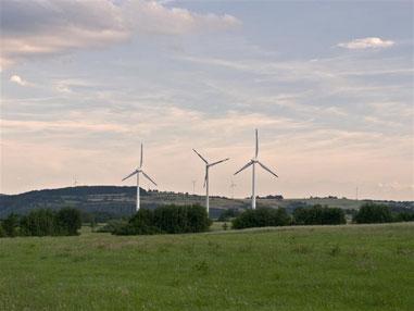 Windräder in Goldbeck. - Foto: Kathy Büscher