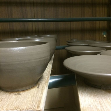 茶香炉の本体と受皿