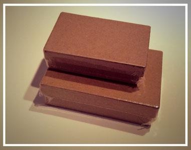 Boites de rangement en carton - Photo de l'auteur © Authome P.