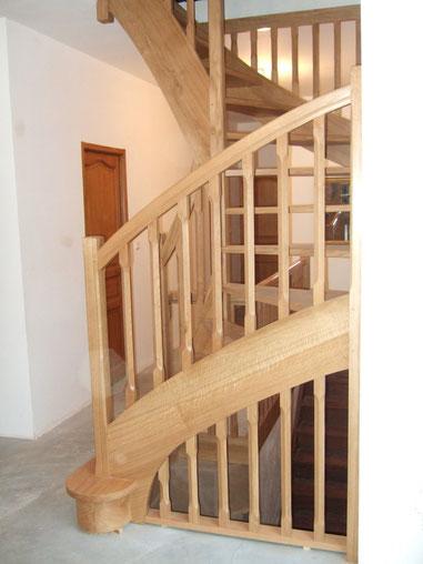 Artisan concepteur fabricant escaliers sur mesure.