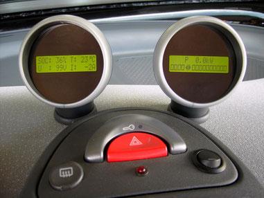 TR-TEXT_C-GG (rechts) zur Anzeige der Daten eines Curtis Controllers in einem Smart 450.