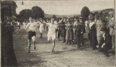 Friebe (links im Bild) fängt Gnä auf der Ziellinie ab