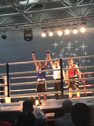 Sieg für Swissan Jeganathan (BOXING TEAM ITTIGEN) in seinem 3. Amateurkampf bis 81Kg, über 3x3 Minuten. SA 05.05.2018 BCB Gümligen BE