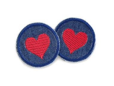 Bild: Mini Flicken zum aufbügeln mit gesticktem Herz, Jeansflicken mit rotem Herz