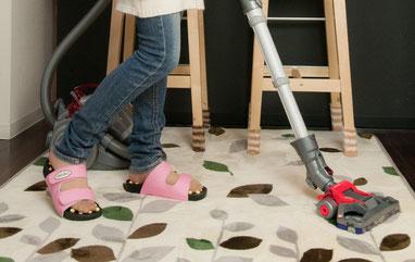 マグニットサンダルは、家やオフィスで、家事や仕事をしながら使えます。